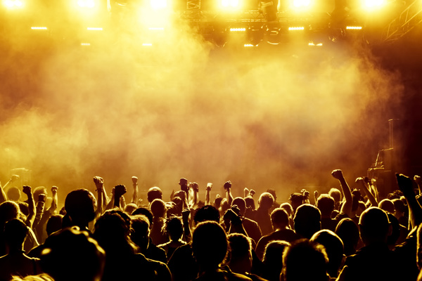 3d Emoticons Wallpapers Cheering Crowd At A Rock Concert Hd Picture 11 Free Download