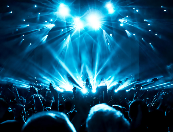 Cool 3d Basketball Wallpapers The Blue Light Shines On The Cheering Crowd Rock Concert