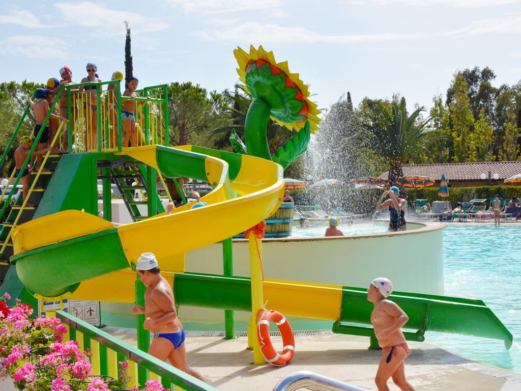 Camping In Schoorl Met Zwembad Free Time Camping Village In Tuscany By The Sea Marina Di Bibbona