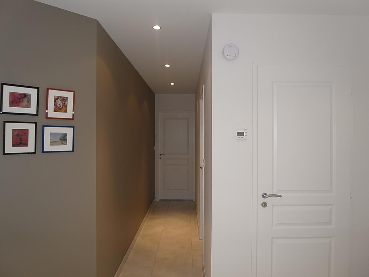 Montee escalier peinture decorer une entree avec escalier