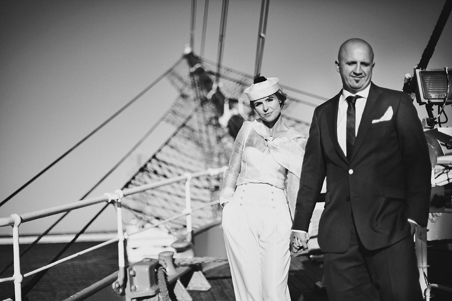 Wozaczinski Dagmara+Maciek 22 Married on a Boat in a Beautiful Sailor Outfit