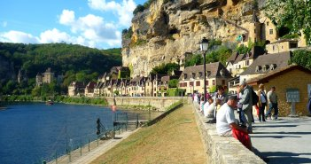 La Roque-Gageac and the River Dordogne © French Moments