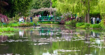 Monet Gardens Giverny © Michal Osmenda - licence [CC BY 2.0] from Wikimedia Commons
