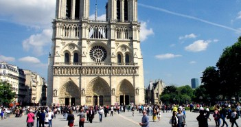 West façade of Notre-Dame © French Moments