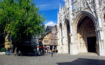 Place Barthelemy in Rouen © French Moments
