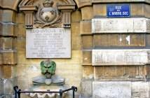 Fontaine de la Croix-du-Trahoir, 1st arrondissement of Paris © French Moments