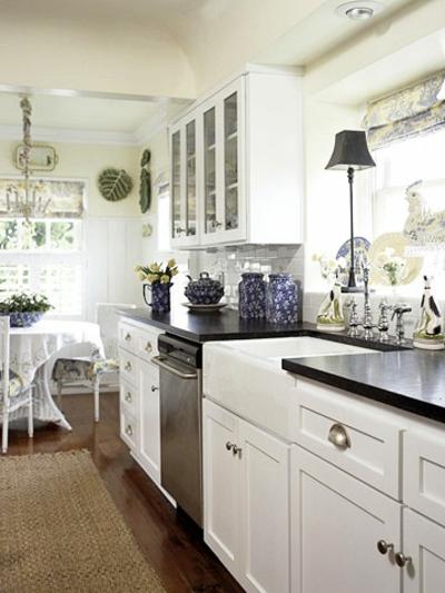 Schmale Küchen Interieurs - 16 praktische Vorschläge - schmale fenster kuechen gestaltung