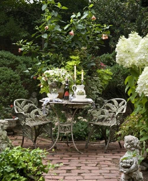 Einen prächtigen Garten gestalten - Erholungsecke im Freien - garten gestalten bilder