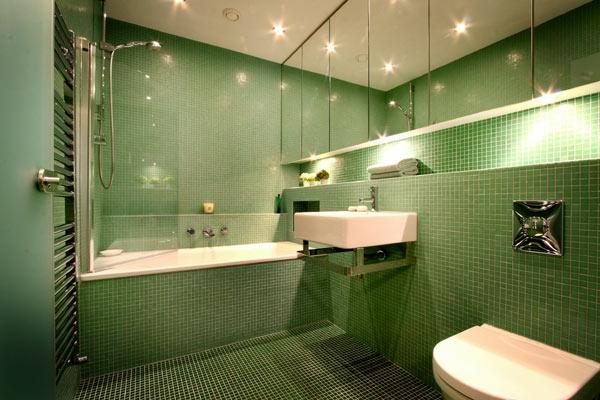 Badewanne einfliesen - Badewanne einbauen und verkleiden - badezimmer fliesen holzoptik grun
