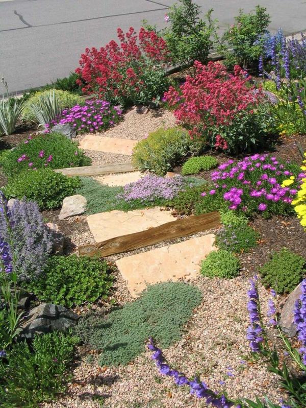 Garten am Hang anlegen und schöne Hangbeete bepflanzen - gartengestaltung steingarten