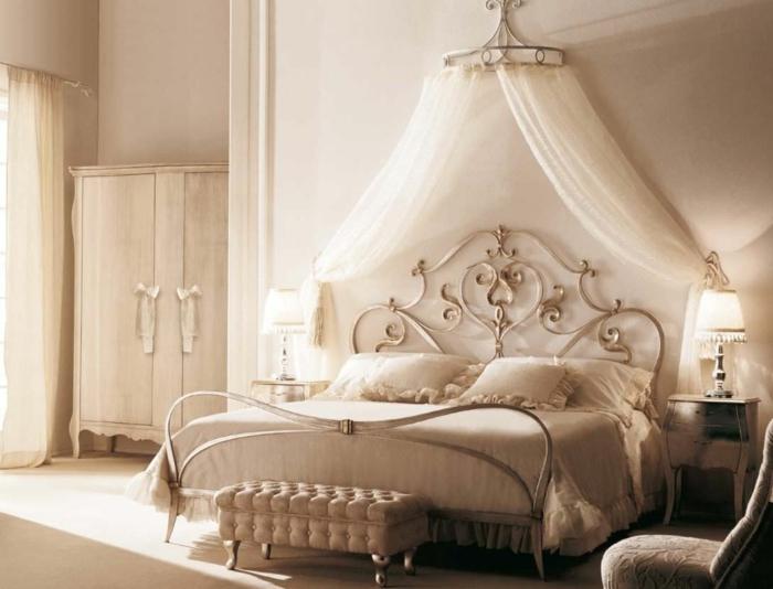schlafzimmer-ideen-baldachin-betthimmel-himmelbett-metallbett - schlafzimmer mit metallbett