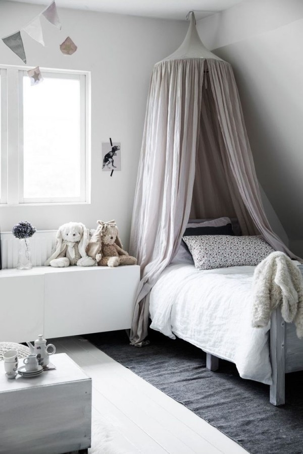 Kinderbett Baldachin