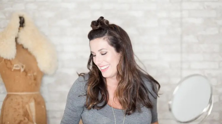 Mom On The Run Series from Fresh Mommy Blog - 3 Easy Hairstyles When You Don't Have Time