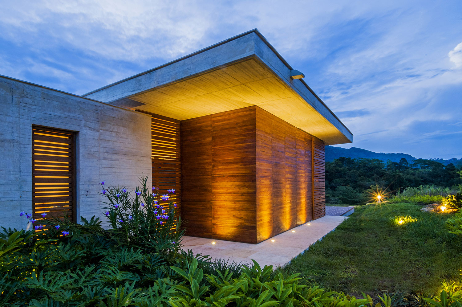 Ebenerdiges Haus Sustainable Modern Country Home In Colombia Drawing In The