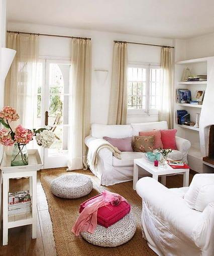 kleines wohnzimmer einrichten-weiße sitzkissen - fresHouse - kleines wohnzimmer