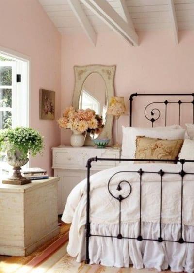 Schlafzimmer mit Dachschräge gemütlich gestalten - fresHouse - schlafzimmer einrichten holz