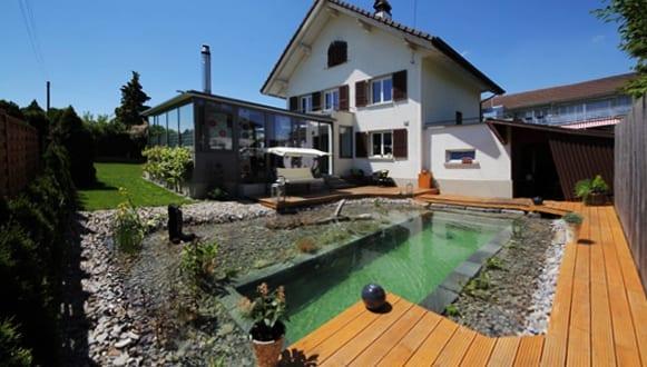 gartengestaltung-mit-holzterrasse-70. kleiner garten im hinterhof ... - Gartengestaltung Mit Holzterrasse