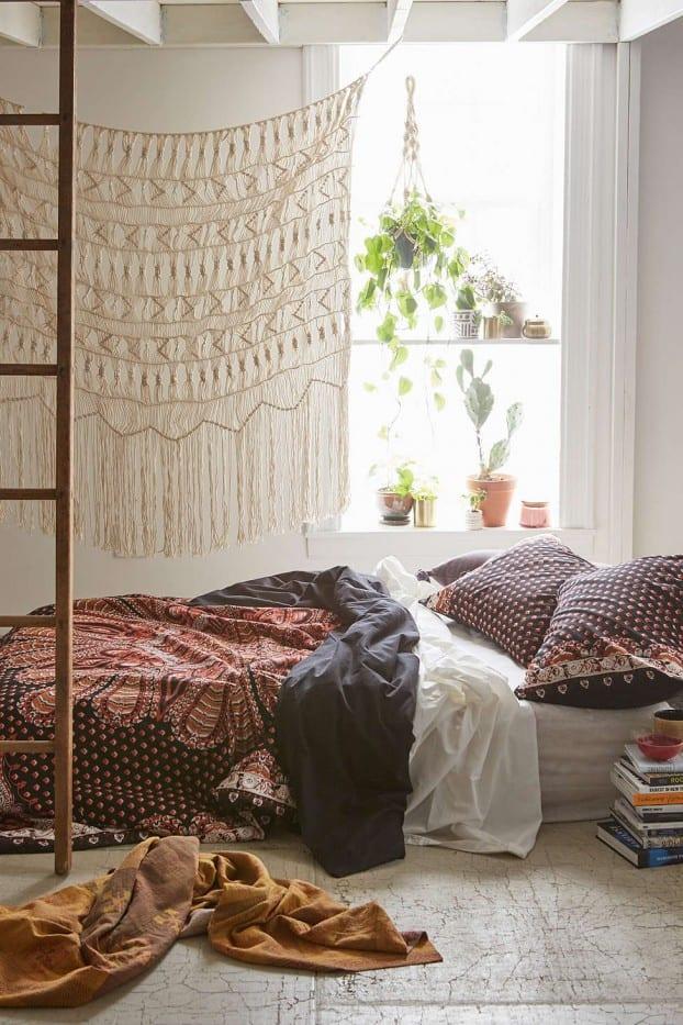 schlafzimmer ideen im bohemian stil_kleine schlafzimmer mit bett - 50 schlafzimmer ideen im boho stil