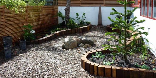 Garten gestalten mit kreativer Rasenkante und Beetumrandung - garten gestalten bilder
