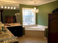 Green Bathroom Paint Color Ideas (Green Bathroom Paint ...