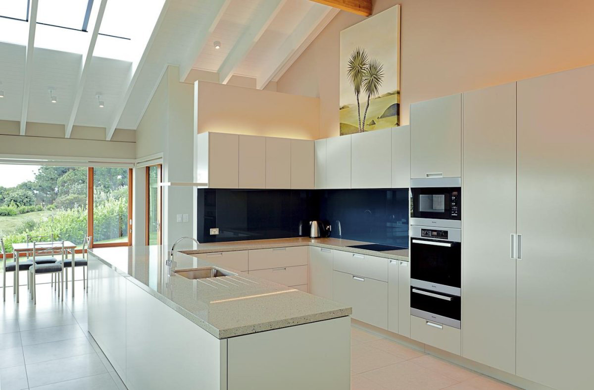Modern White Kitchen Island White Kitchen Island Elegant Contemporary Home In Te Horo