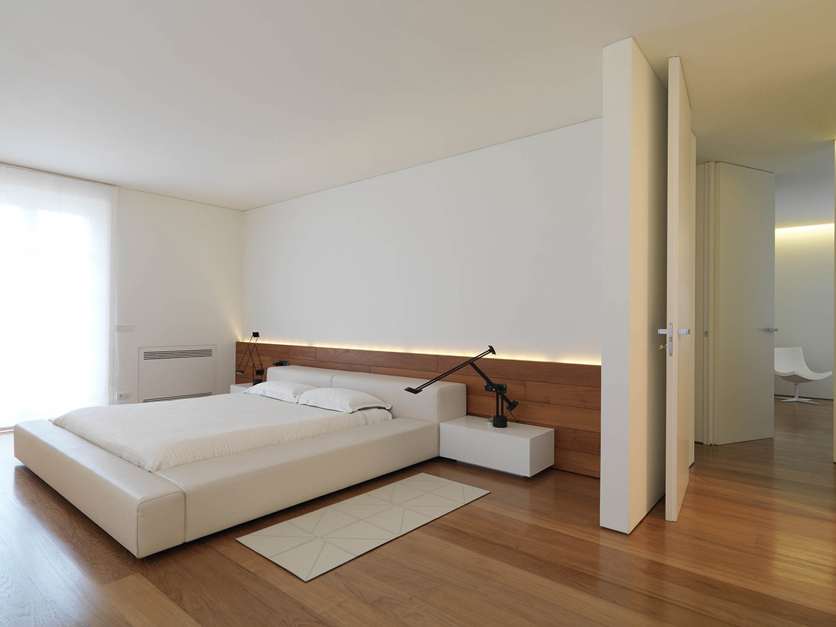 Minimal Bed Bedroom Wood Flooring Minimalist Interior In Tuscany