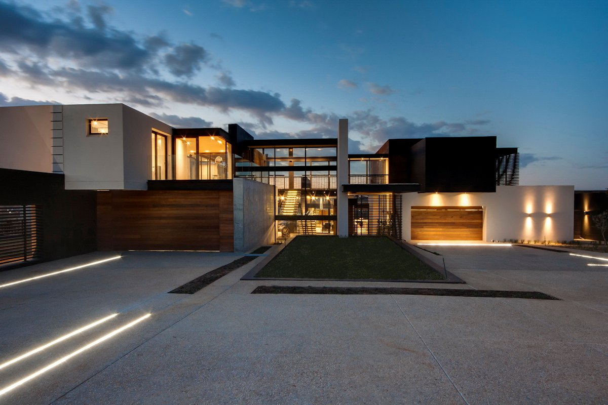 Contemporary Driveway Driveway Entrance Luxurious Modern Residence In Pretoria