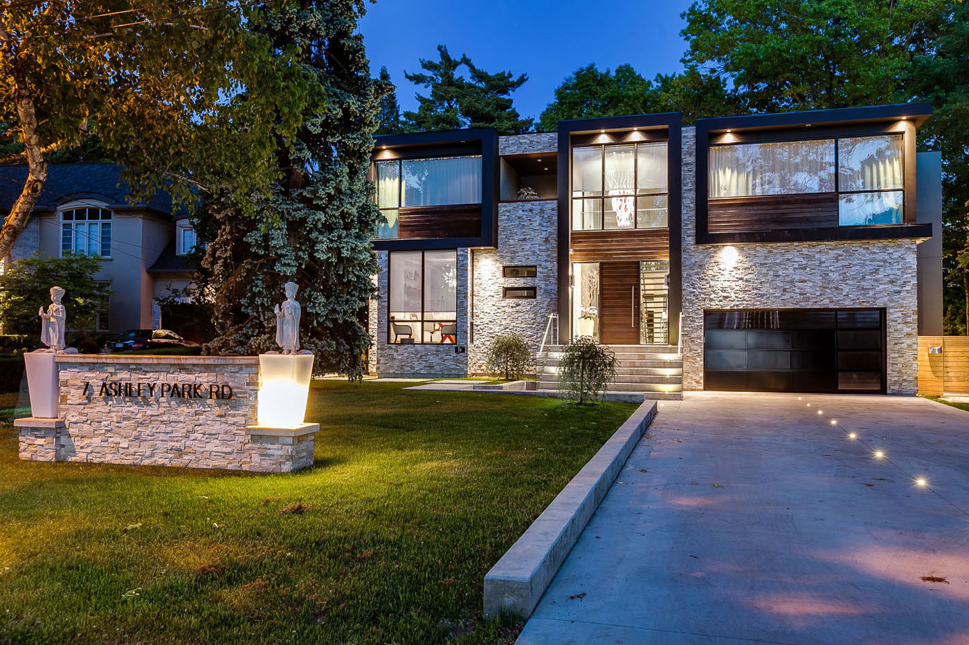 Contemporary Driveway Captivating Contemporary House In Toronto Canada