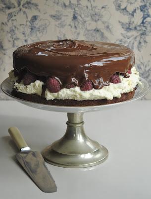 158f4-chocoalteandraspberrycake