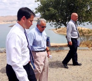 Florida Senator Marco Rubio (LEFT), a possible 2016 candidate for the Republican Presidential nomination, walks with Friant Water Authority Assistant General Manager Mario Santoyo (CENTER) and General Manager Ronald D. Jacobsma August 12 against a backdrop of Millerton Lake.
