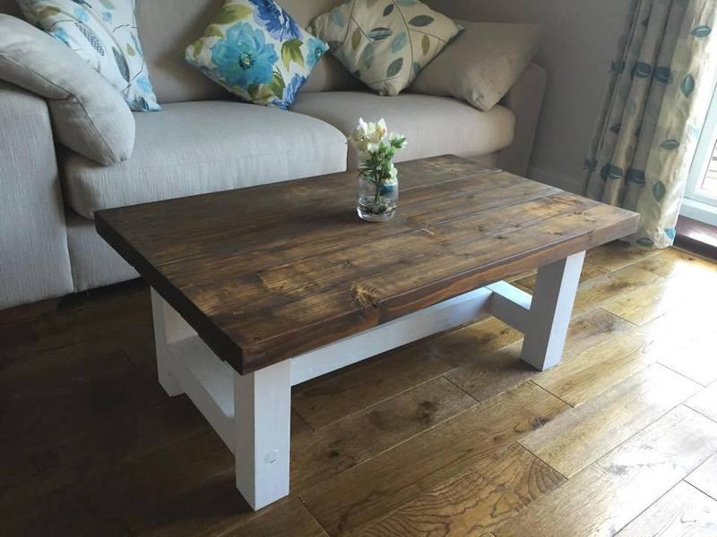 CHUNKY COUNTRY STYLE COFFEE TABLE SOLID WOOD DARK OAK