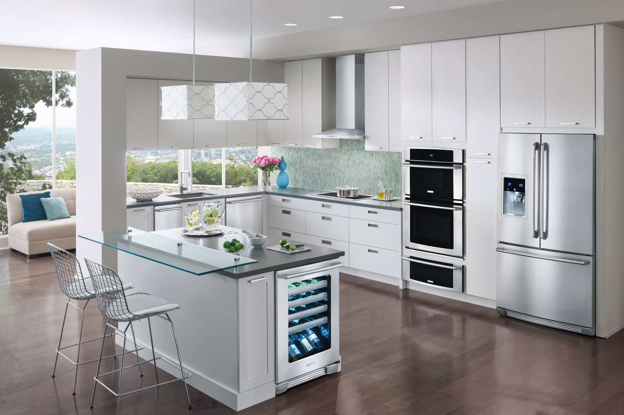 All White Kitchens With White Appliances With So Many Choices What Appliances Should You Buy