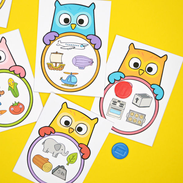 What Doesn\u0027t Belong Owl Task Cards - Frogs and Fairies