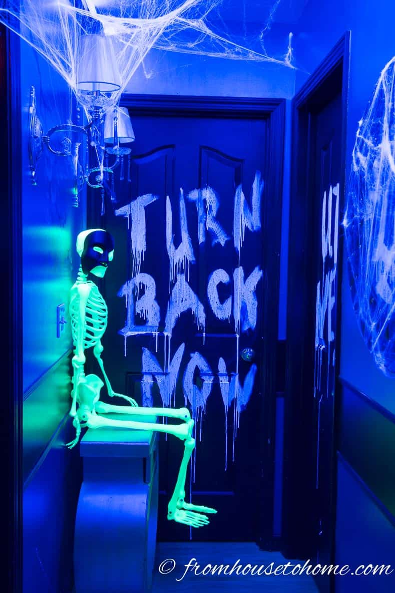 10 Awesome Glow In The Dark Decor Ideas For Halloween Entertaining Diva From House To Home