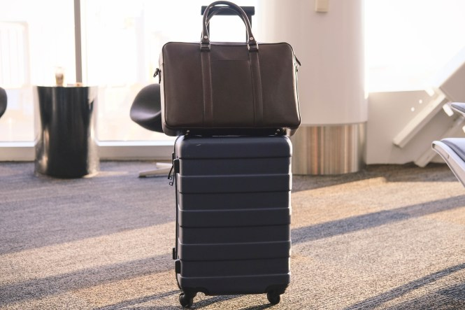 travel light and stylish