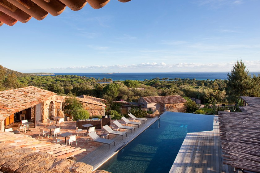 13 hotels with a heated pool and near a beach mary jane for Boutique hotels corsica