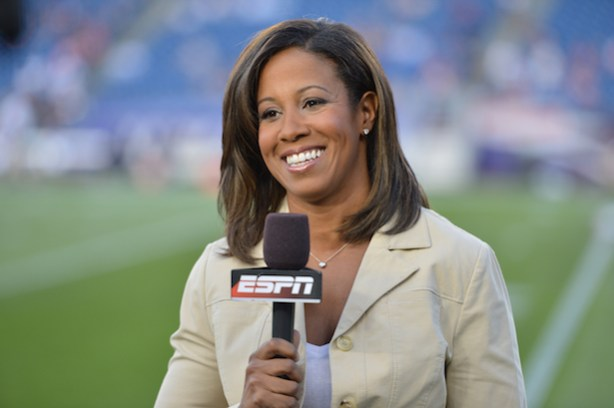 Lisa Salters during a preseason game (Photo by Allen Kee / ESPN Images)