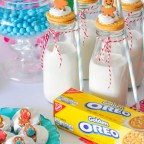 Easy Christmas Cookies + Gingerbread Party Ideas with OREOS and frostedevents.com