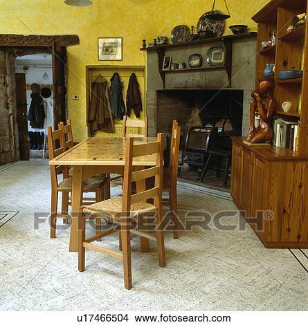 Großartig Stock Foto   Rush Seated, Stühle, An, Holztisch, In, Land