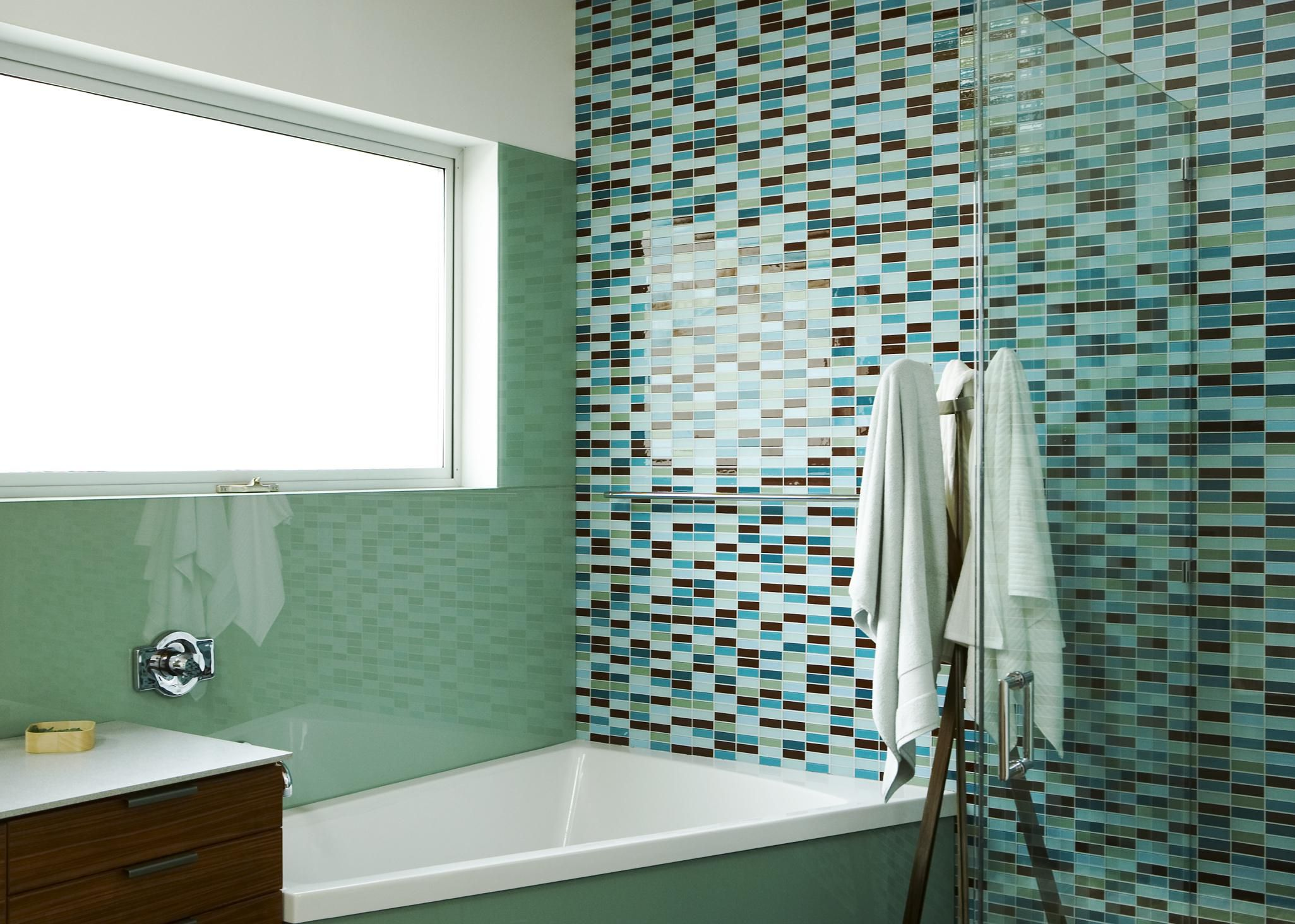 4 best bathroom wall surfaces and only one is paint