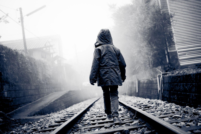 Sad Little Girl Wallpaper El Abandono Emocional