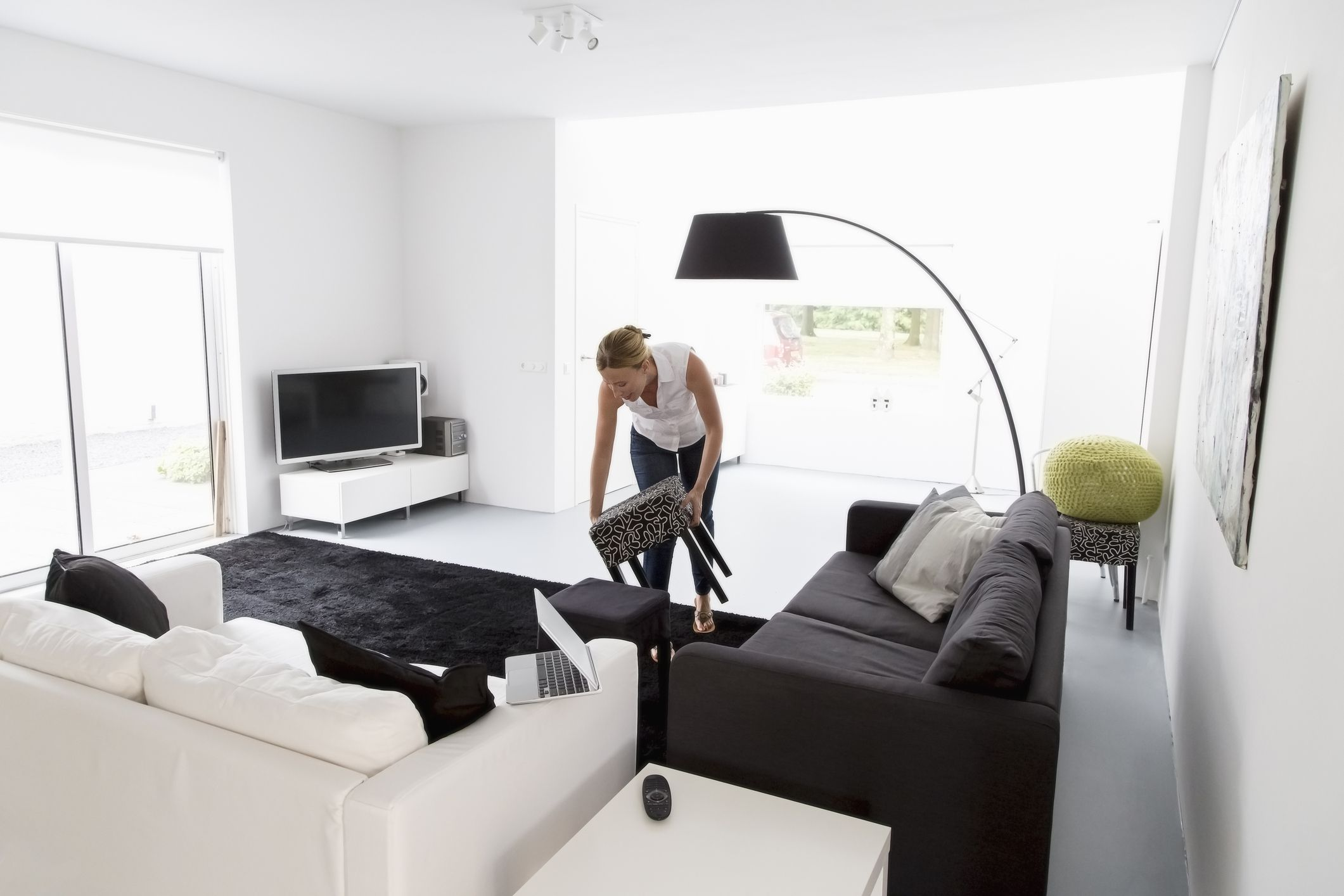 Clean your living room in 15 minutes or less