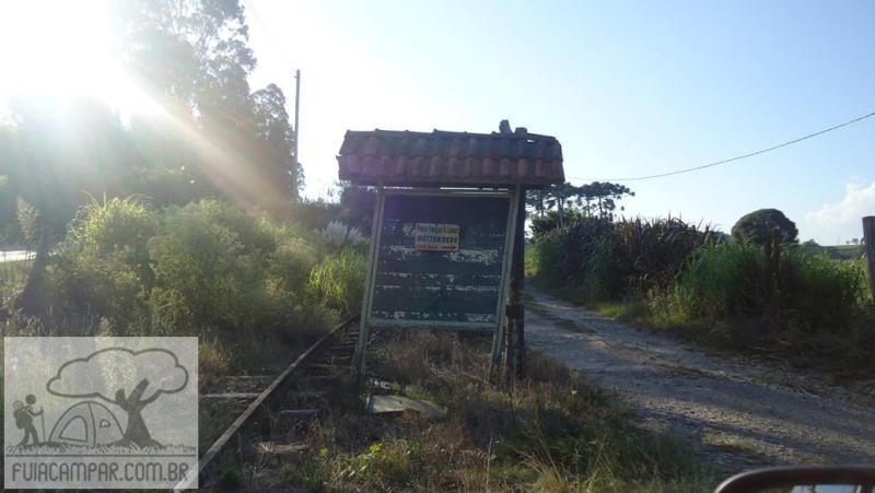 Placa indicando a entrada