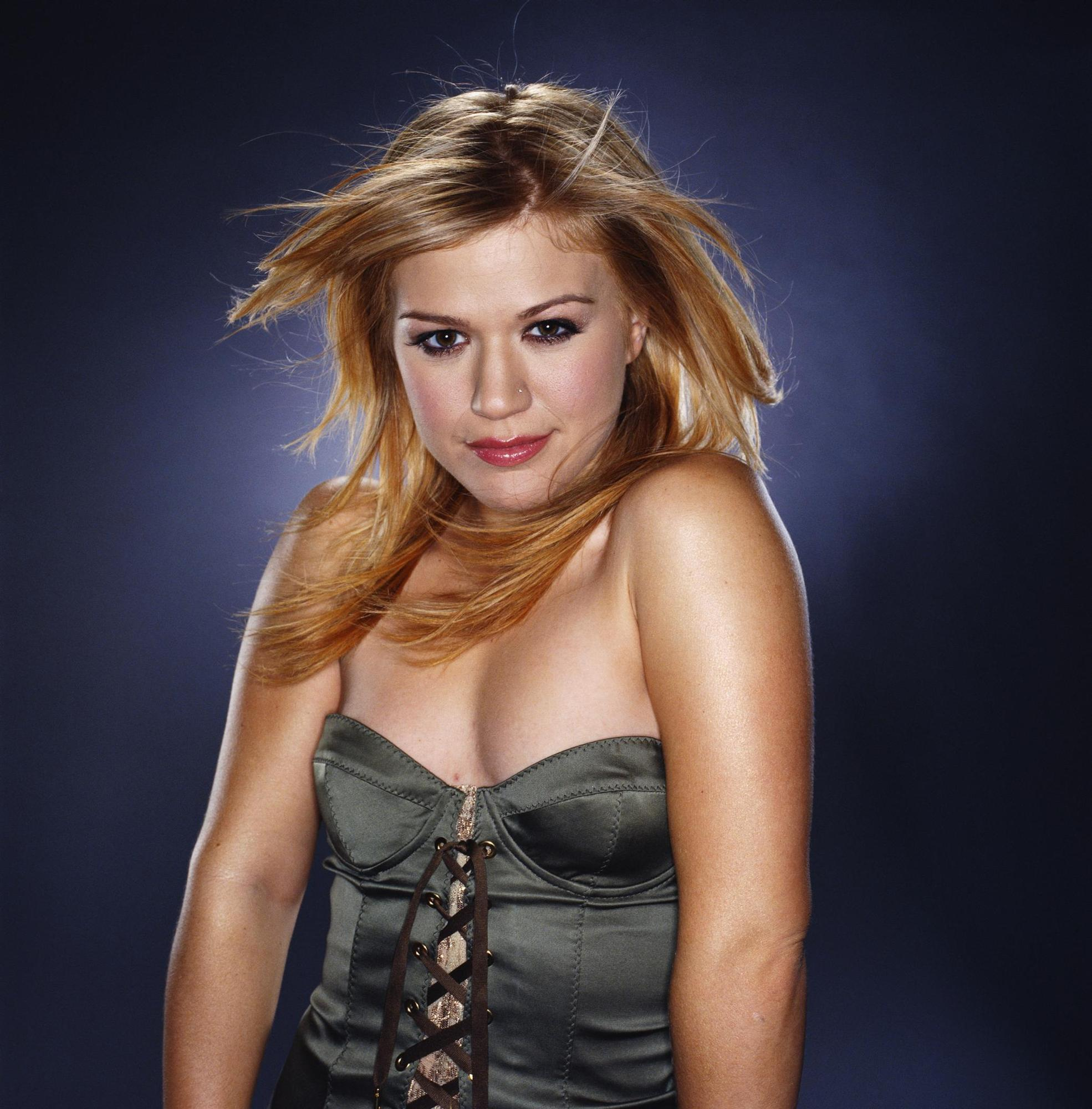 Beautiful Cars Hd Wallpapers Download Kelly Clarkson Photos Full Hd Pictures