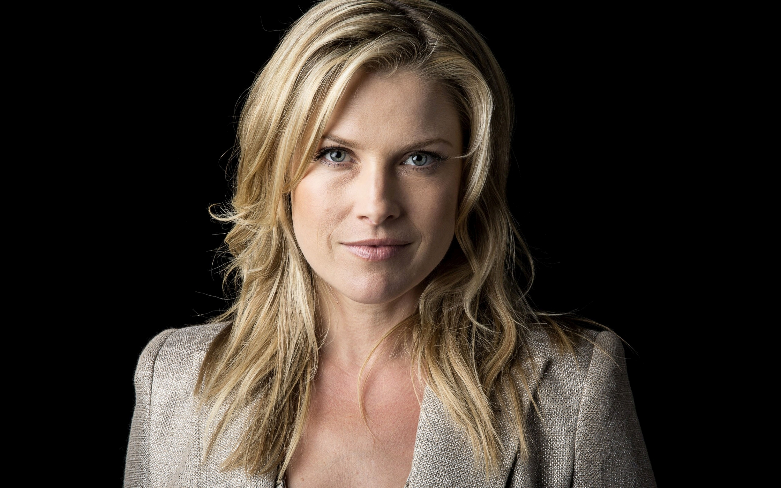 Hd Wallpaper Cars 2015 Ali Larter Wallpapers Full Hd Pictures