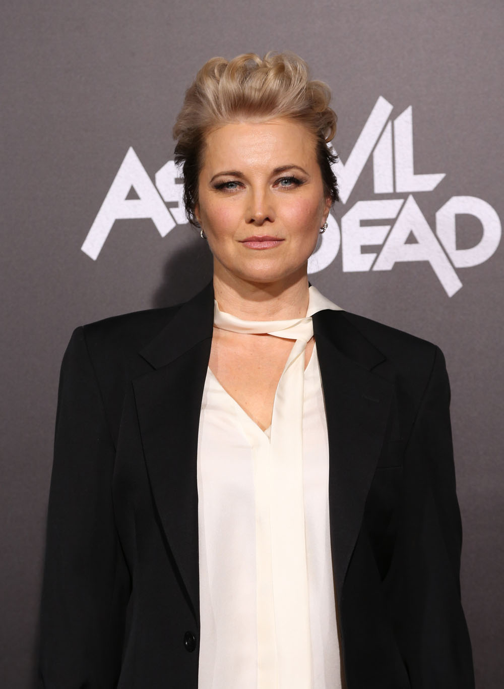 Full Hd Wallpaper For Android Mobile Lucy Lawless Hairstyle Full Hd Pictures