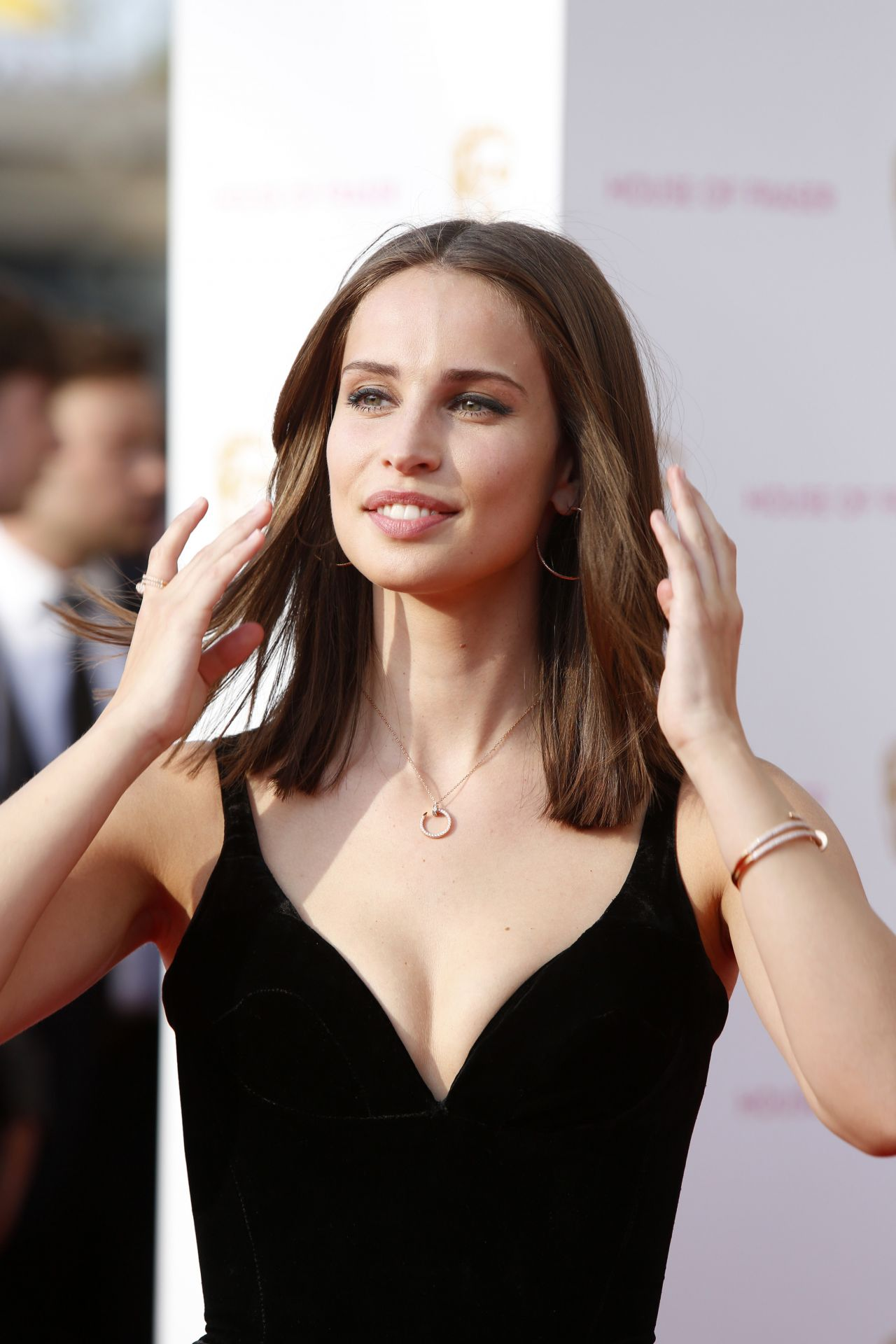 Dimensions Of A Wallpaper For Iphone X Beautiful Heida Reed Pictures Full Hd Pictures