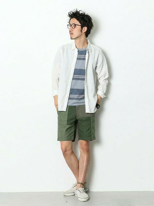 白リネンシャツの春夏メンズコーディネート画像11