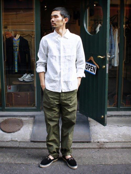 白リネンシャツの春夏メンズコーディネート画像12