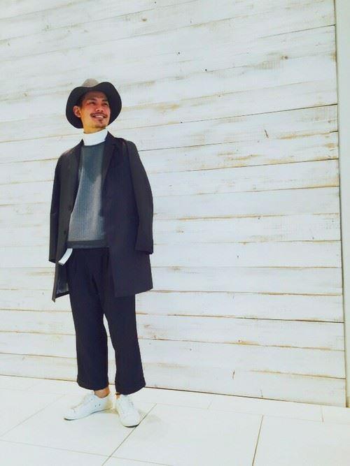 ワイドパンツとコートを合わせた秋冬メンズコーディネート4